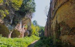 Steinwand des mittelalterlichen Schlosses Stockbilder