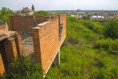 Steinwand des mittelalterlichen Schlosses Stockfotografie