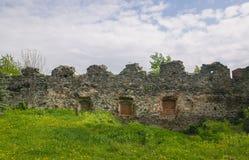 Steinwand des mittelalterlichen Schlosses Lizenzfreie Stockfotos