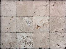 Steinwandbeschaffenheit, Travertin deckt das Gegenüberstellen mit Ziegeln lizenzfreies stockfoto