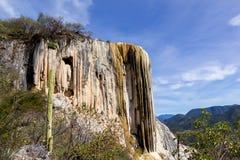 Steinwasserfälle an Hierve EL-Agua Lizenzfreies Stockbild