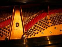 steinway inre piano för D Arkivbilder