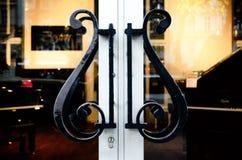 Steinway ` s钢琴陈列室在维也纳 免版税库存图片