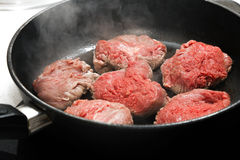 Stek w niecce Obrazy Royalty Free