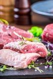 Stek Wołowina stek mięso Porcyjny mięso surowy świeży mięso Polędwica stek Kość stek Flankowy stek Kaczki piersi warzywa dekoracj Zdjęcia Stock
