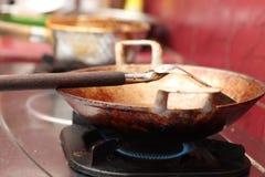 Steka tofuen i en stekpanna, version 6 Royaltyfri Fotografi