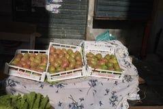 Stekelige perenvruchten stock foto's