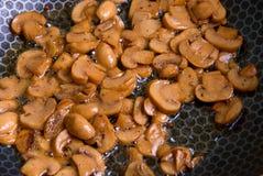 Stekhet champignon arkivbilder