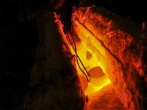 Stekhet krukmakeri Färgrik process av värme - behandling royaltyfri bild