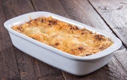 Stekhet maträtt med lasagne Arkivbilder