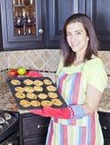 Stekheta kakor för kvinna Royaltyfri Foto