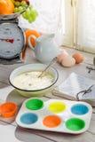 Stekheta läckra muffin med bärfrukter Royaltyfria Foton