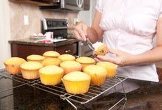 stekheta muffiner fotografering för bildbyråer