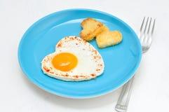 Stekt ägg och rostat bröd royaltyfri foto