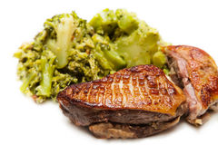 Stekt andbröst med broccoli Royaltyfria Foton