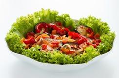 Stekt aubergine med grönsaker Arkivfoto