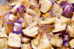 Stekt aubergine, special mat Arkivfoto