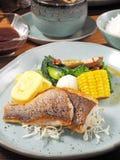 Stekt fastställd meny för fisk royaltyfri foto