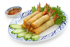 stekt kokkonst rullar den thai räkafjädern Arkivbilder