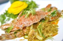 Stekt krabba med curry Arkivfoto