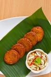 stekt kryddigt thai för cake fisk Arkivfoton