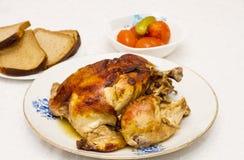 Stekt kyckling. Arkivfoton