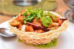 Stekt kyckling med Cashewmuttrar Fotografering för Bildbyråer