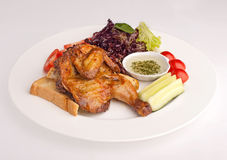 Stekt kyckling med sås Royaltyfria Foton