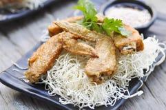 Stekt kyckling och stekt nudel Royaltyfria Bilder