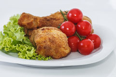 Stekt kycklingstycken. Arkivfoton