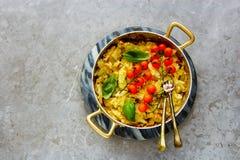 Stekt potatis med löken fotografering för bildbyråer