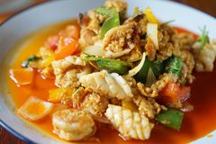 Stekt räka med curry arkivfoto