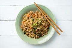 Stekt rice med pinnar royaltyfri bild