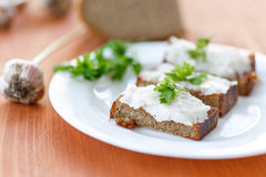 Stekt rostat bröd med bacon Fotografering för Bildbyråer