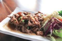 Stekt under omrörning nötkött med grönsaken royaltyfri bild