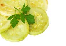 Stekt zucchini som isoleras på vit Royaltyfri Bild