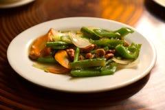 Stekte grönsaker med kasjuer Fotografering för Bildbyråer