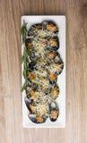 Stekte musslor i vasken på en platta Royaltyfria Foton