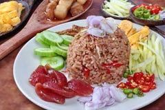 Stekte ris för slut upp med räkadeg Fotografering för Bildbyråer