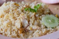 Stekte ris med krabbakött Royaltyfria Foton