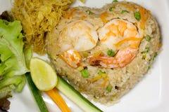 Stekte ris med thailändsk mat för chiliräkor Royaltyfria Foton