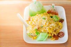 Stekte ris med Thailand Arkivfoton