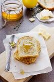 Stekte rostade bröd med honung och ost Fotografering för Bildbyråer