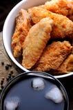Stekte stekt kycklingvingar royaltyfri fotografi