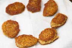 Stekte vegetariska kotletter från linsen Fotografering för Bildbyråer