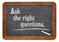 Stel de juiste vragen stock foto