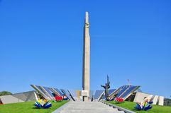 Stela, obelisco della città dell'eroe di Minsk fotografie stock