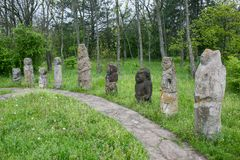 Stelae kurgan antiguos en el isalnd de Khortytsia, Zaporizhia, Ucrania Fotos de archivo libres de regalías