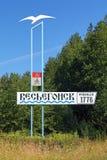 Stele am Eintritt zur Stadt Vesyegonsk, Russland Lizenzfreie Stockbilder