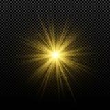 Stella dorata d'ardore dorata su un fondo trasparente Stella magica d'ardore Chiarori luminosi Raggi dell'oro Esplosione magica N Fotografia Stock